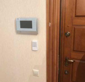 Снимок панели управления сигнализацией  в  частном доме